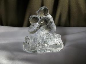 Konstglas Björnar